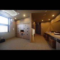 ■男性大浴場脱衣所(9階)