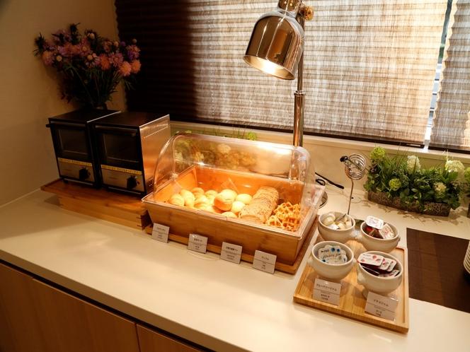 ■パンコーナー  オーブントースターのご用意もございます。