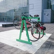 【コアやまくに自転車ラック】おしゃれな自転車置き場。
