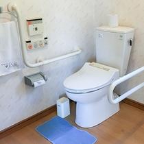 【バリアフリートイレ一例】身体が不自由な方も安心してご利用いただけます。