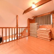 *【コテージ一例】2階にお布団を敷いていただきます。(セルフサービス)