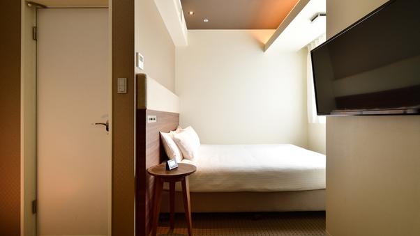ダブルルーム 16平米 160CMクイーンベッド