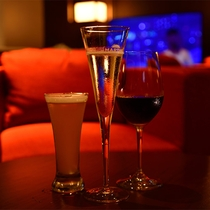 クラブラウンジでは泡盛、ビール、ワインがお楽しみ頂けます。