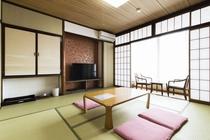 伊勢型紙の伝統工芸にも触れることが出来る!楓の部屋
