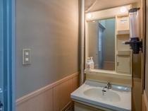和室2段ベッドタイプ4人部屋 洗面台