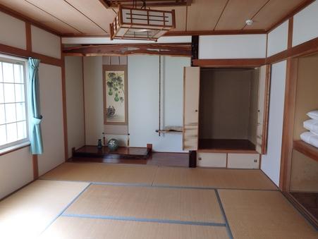 桜:和室8畳