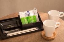 【コーヒセット】珈琲やお茶、割り箸やスプーンもあります。