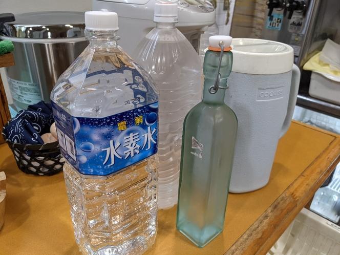 朝食や夕食には『水素水』を使用しております。