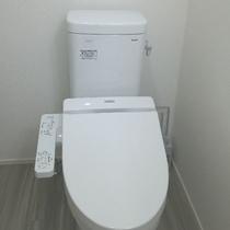 温水便座付きシャワートイレ