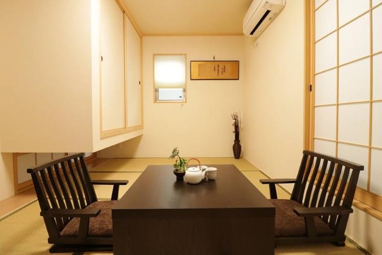 広々としていて、綺麗な和室となっております。