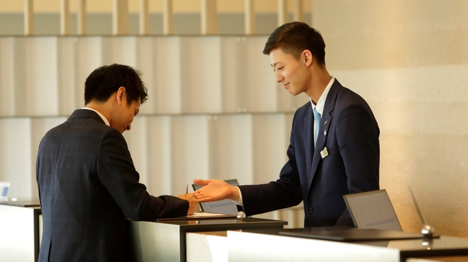 【春夏旅セール】外苑前駅より徒歩5分の緑にあふれる神宮外苑に佇むホテル♪素泊まりプラン