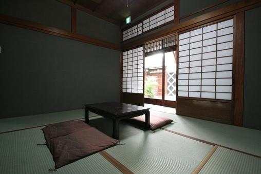 山吹 庭側1階|個室(3名定員・洗面・お手洗い)|和室