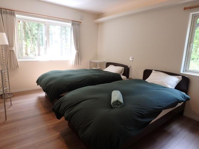 1階 BED ROOM A