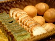パンも多く取り揃えております。