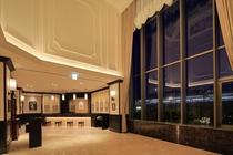 天井の高いフロントは開放感がございます。