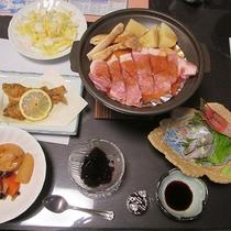 *夕食一例/日本海で朝獲れた新鮮な魚やお肉メニューもございます!