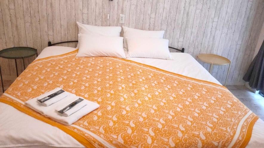 ハリウッドツイン シングルベッド×2つを横に並べているのでベッド幅180cmと広々。