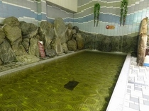 天然温泉プール