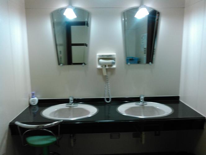 1階 浴場