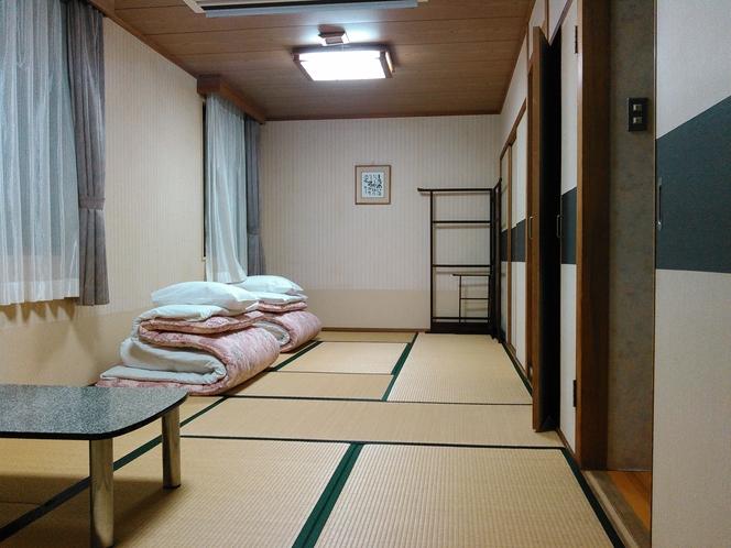 和室12畳〇足を伸ばして ゆったりとお寛ぎ下さいませ