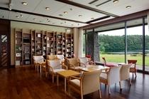 約1,600冊の書籍が並ぶ、ゲスト専用ライブラリーラウンジ