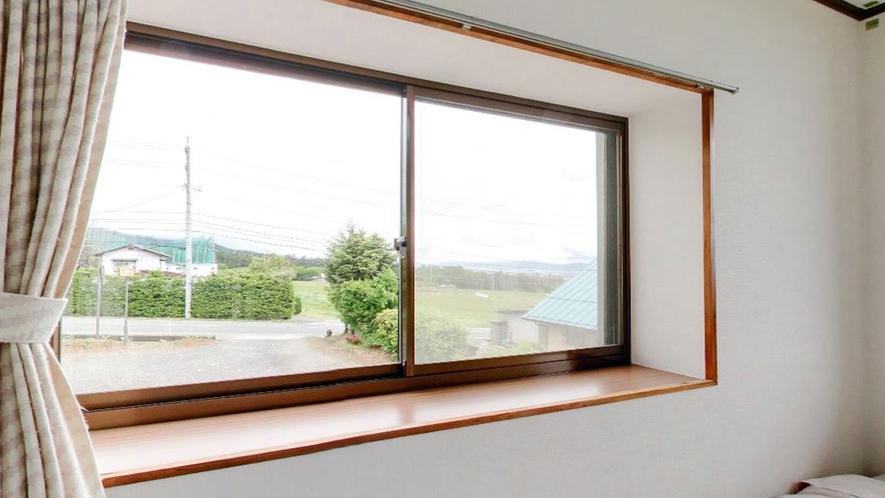 *【客室一例】窓からは周辺の景色をご覧いただけます