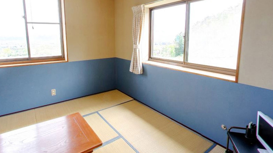 *【客室一例】2~3名の和室。比較的ゆったり過ごしていただけます