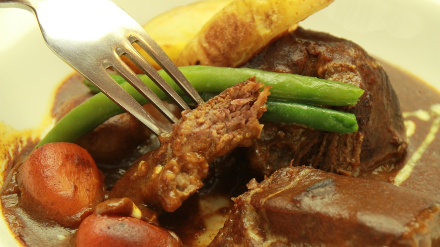 ◆【ビーフシチュー】人気のとちぎ和牛のビーフシチューは和牛の香りとプリプリな食感がフレッシュさ感じさ