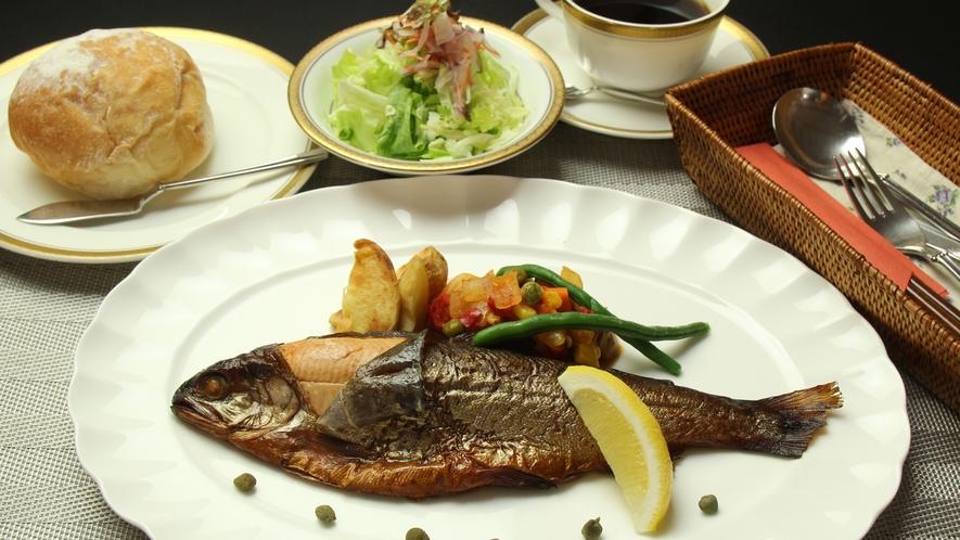 ◆【ディナー料理】ヒメマススモークコース一例