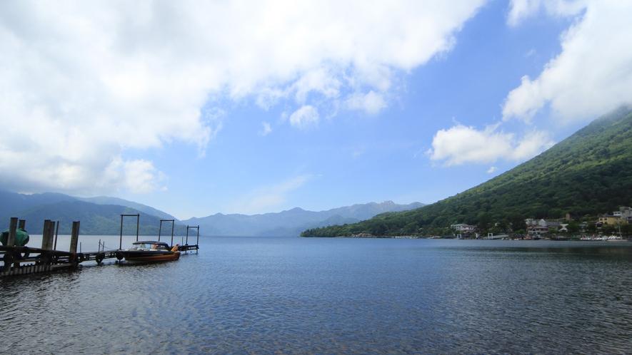 ◆【周辺】男体山のふもとに広がる中禅寺湖