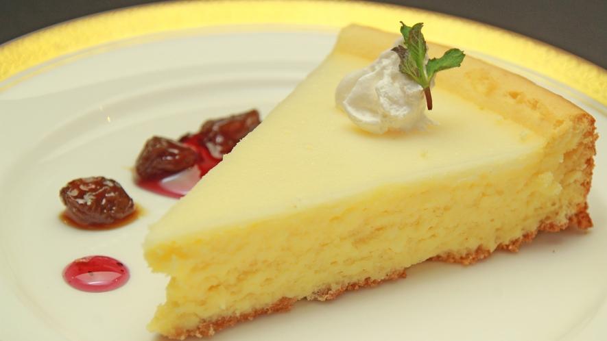 ◆【お食事一例】レストランメイプルで大人気のチーズケーキ☆