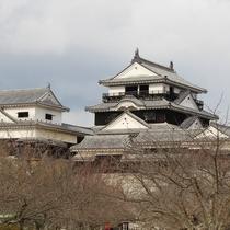 松山城まで車で約40分(高速道路)