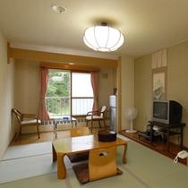 *【和室(BT付)】落ち着いた雰囲気の和室のお部屋。手足を伸ばしてのんびりとお過ごし下さい。
