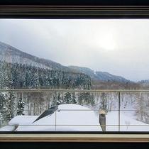 四季折々の移り行く景色を見ながらお寛ぎください