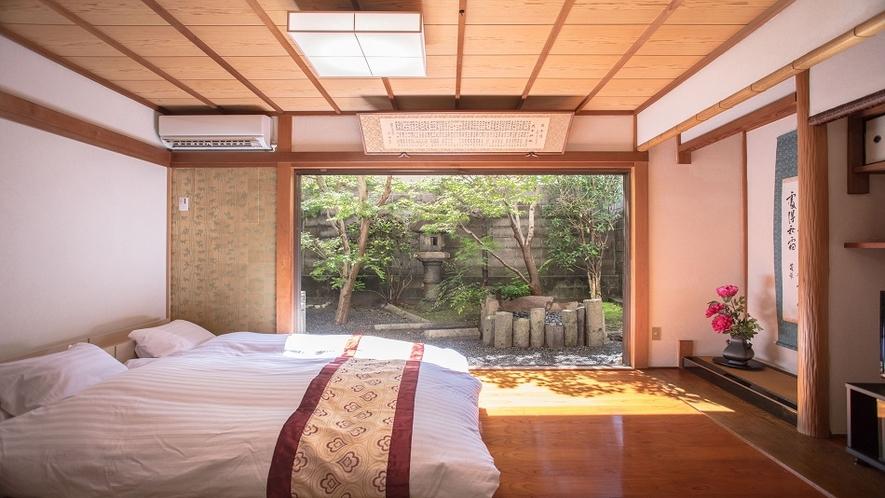 ガーデンビューが楽しめる伝統的な和室