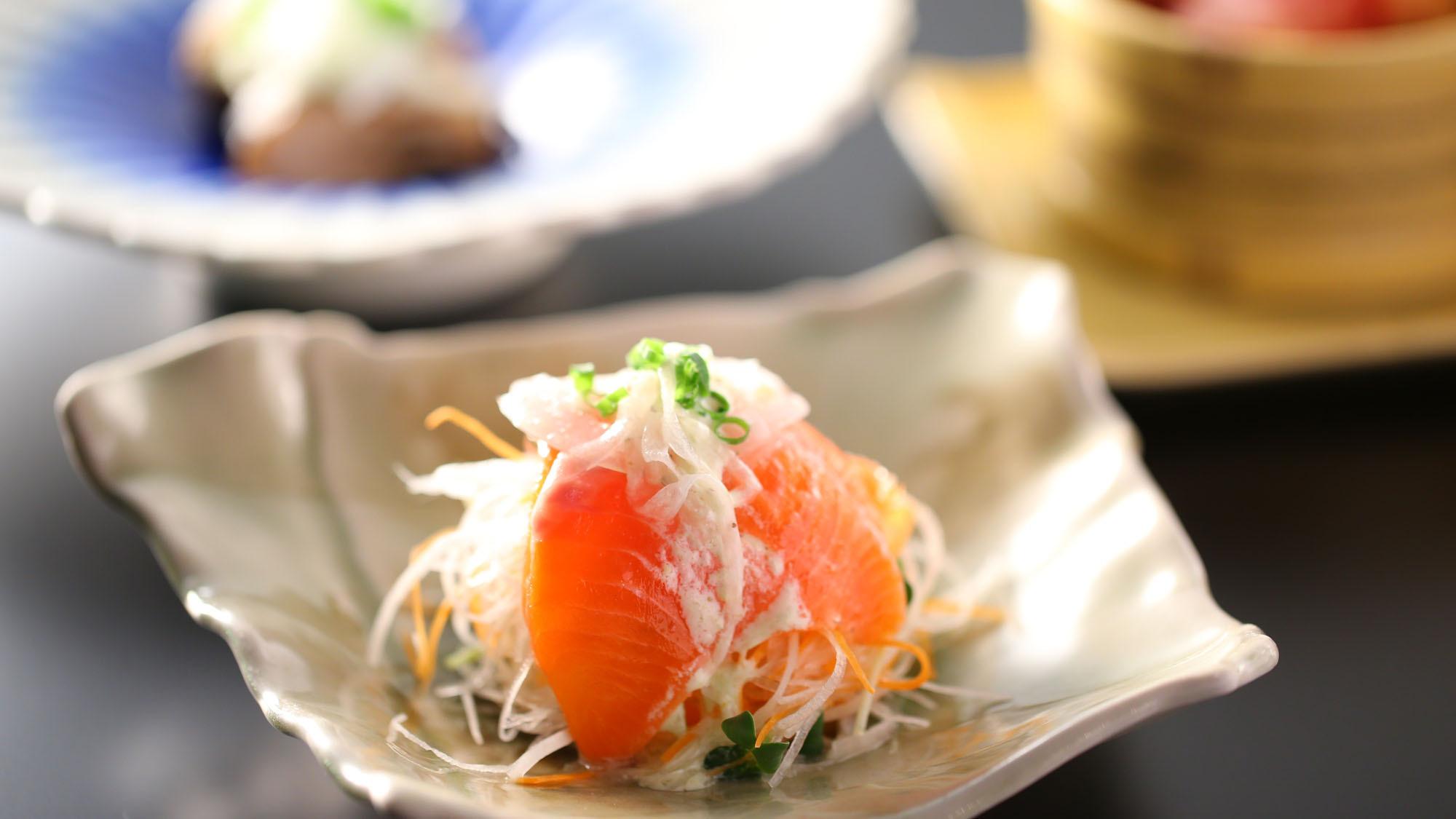 【夕食一例】信州サーモンのサラダ仕立て