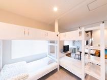 2F室内:ベッドスペース