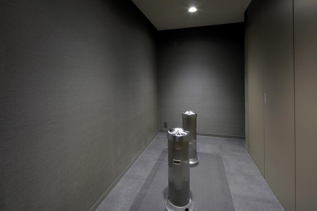 喫煙室(1階・2階)