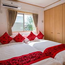 *[シングル・2ベッドルーム]狭めですがベッドがくっついているので添い寝にも◎