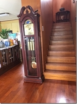 階段と時計