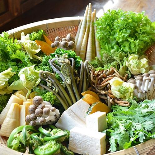 地元の山菜がたくさん♪