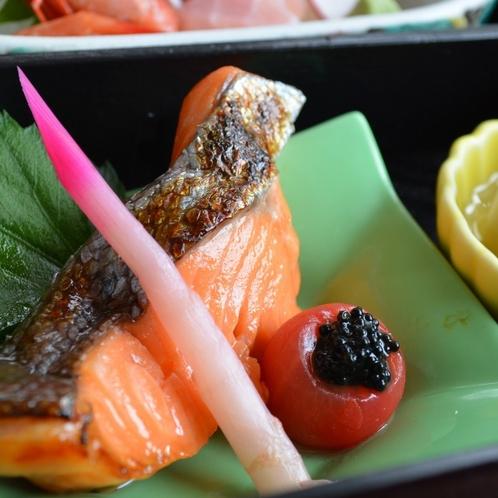 柔らかな身が美味!料理長こだわりの付けタレで味わう西京焼き