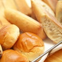 【朝食バイキング】ご飯はおかず!?パンとお米の両方を召し上がる方も。