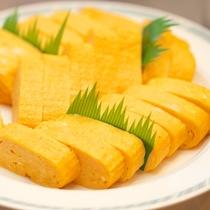 【朝食バイキング】朝食の定番・卵焼き。とはいえ他にもメニューが豊富だから食べ過ぎに注意?