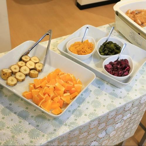 ごはんのお供や目覚めに優しいフルーツなどもございます。