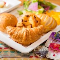 【Lohas健康朝食】※毎朝ホテルで焼きあげるサクサク大人気の焼き立てパン!