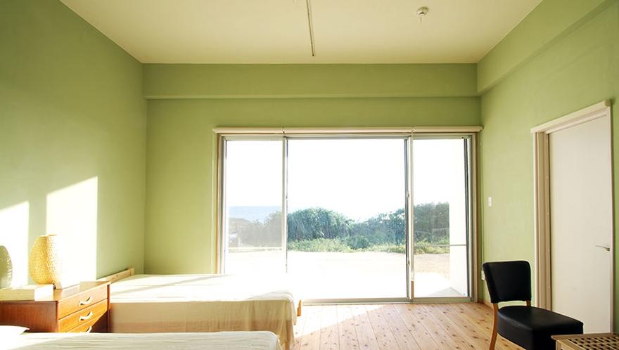 全室部屋から海が見えます