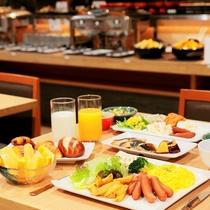 朝食 テーブル