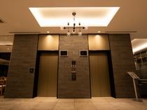 【エレベーターホール】快適なひとときを過ごす充実した館内設備。