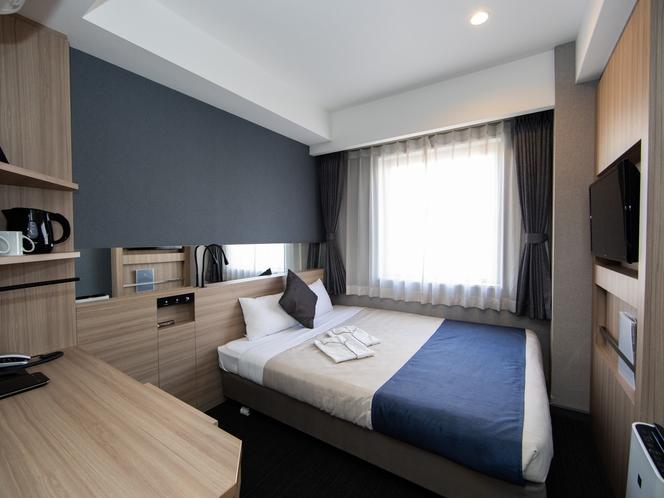 【スタンダードダブル】160㎝幅の一回り広いベッドですのでカップルでのご滞在に最適です。